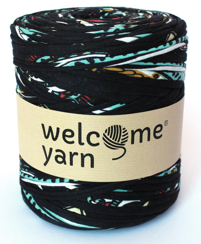 Black,Turquoise and Red Pattern T-Shirt Yarn
