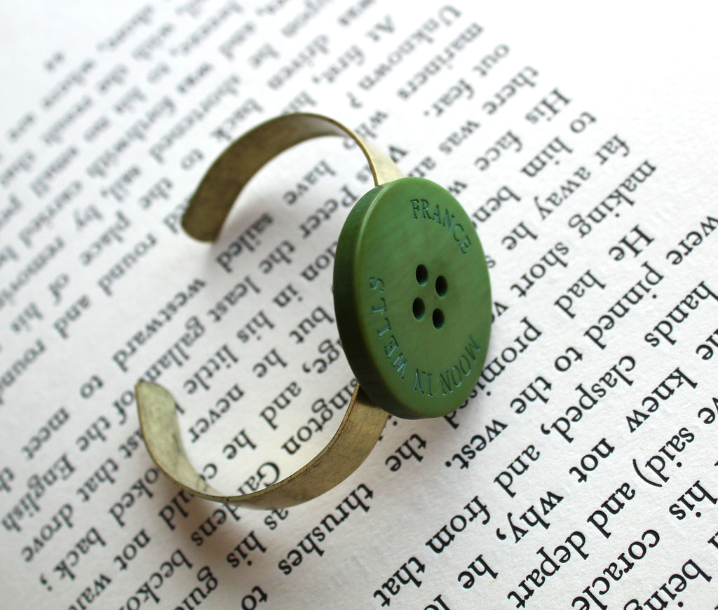 Green Vintage Button Bracelet