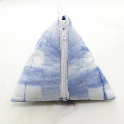 Shibori hand-dyed fabric jewellery pouch | Tarnish resistant lining for sterling silver jewellery | travel jewelry pouch | jewellery box