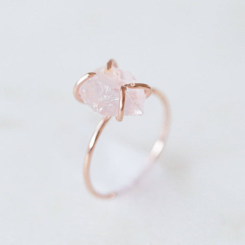 Raw rose quartz gemstone 14k rose gold filled ring | rose quartz solitaire ring, raw gemstone ring, rose gold stacking ring