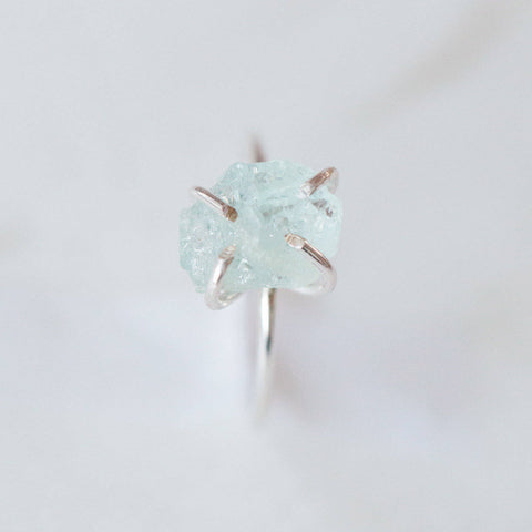 Raw aquamarine solitaire gemstone sterling silver ring | sterling silver yoga meditation spiritual rough gemstones crystals