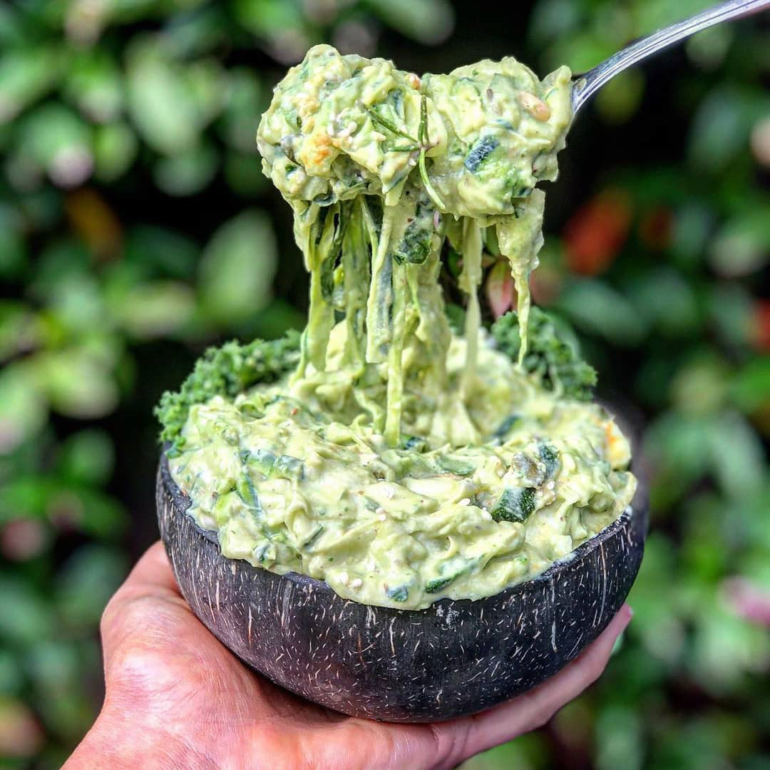 Cheesy Avocado Pasta - Raw, Vegan & Nut-free