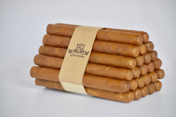 "CHURCHILL NATURAL Bundle 7"" x 50 Filler: Nicaragua - Wrapper: Connecticut - Binder: Ecuador"