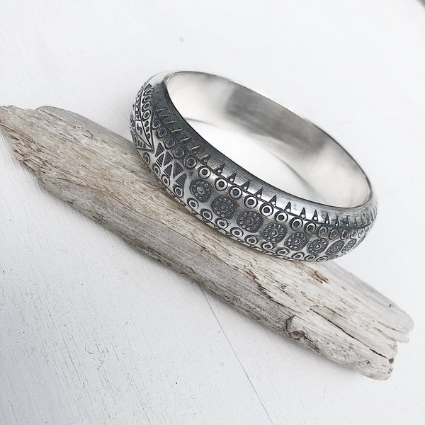 TRIBAL ETCHED BANGLE 70mm LARGE