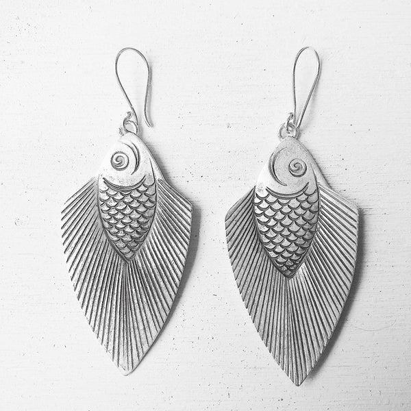 PRETTY FISHY EARRINGS