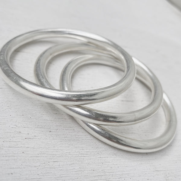 SIMPLICITY BANGLE MEDIUM/LARGE 65mm