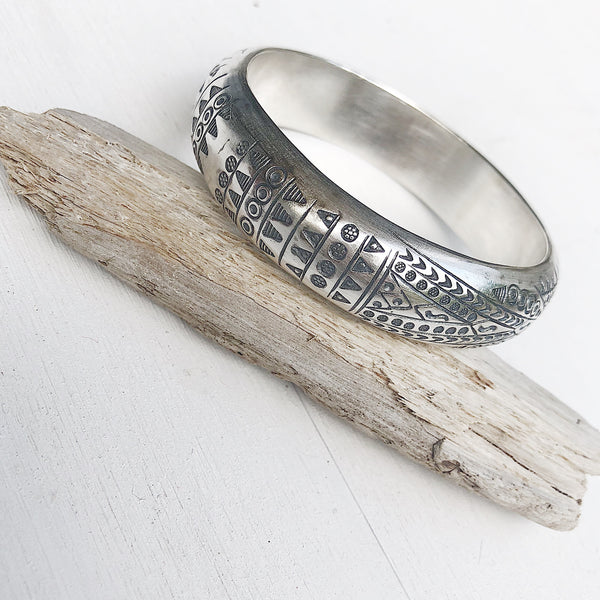 TRIBAL ETCHED BANGLE 58mm