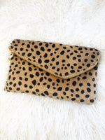 IT'S BACK LEOPARD CLUTCH