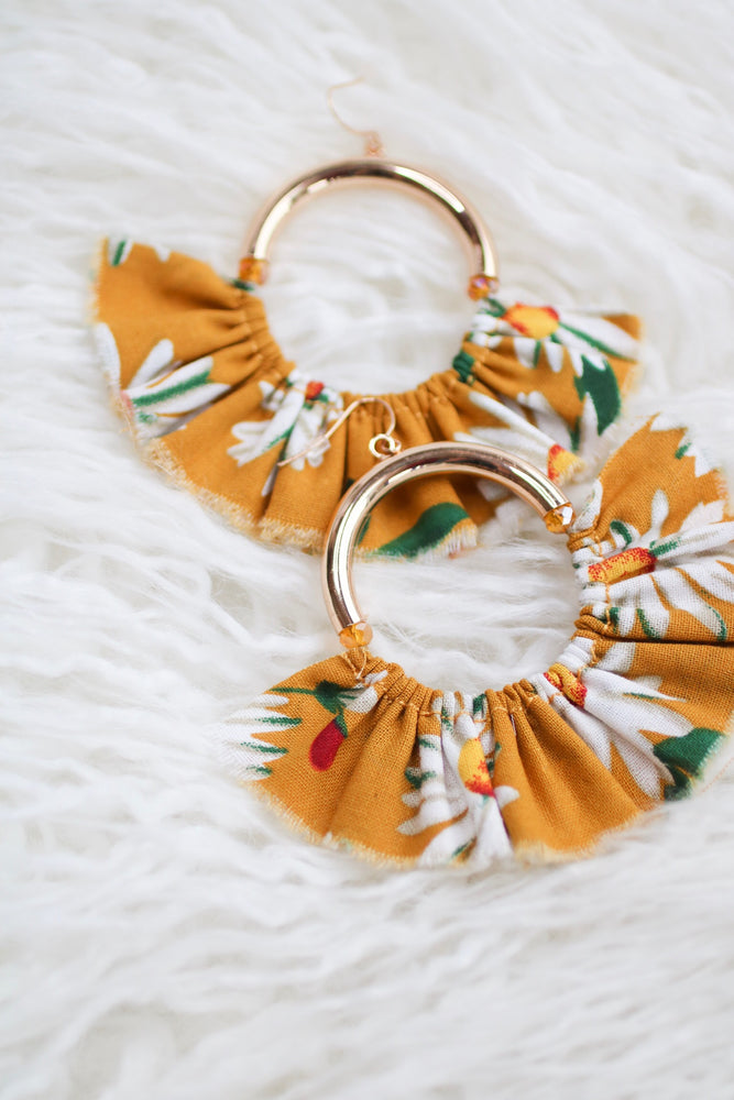 EMMY FLORAL EARRING