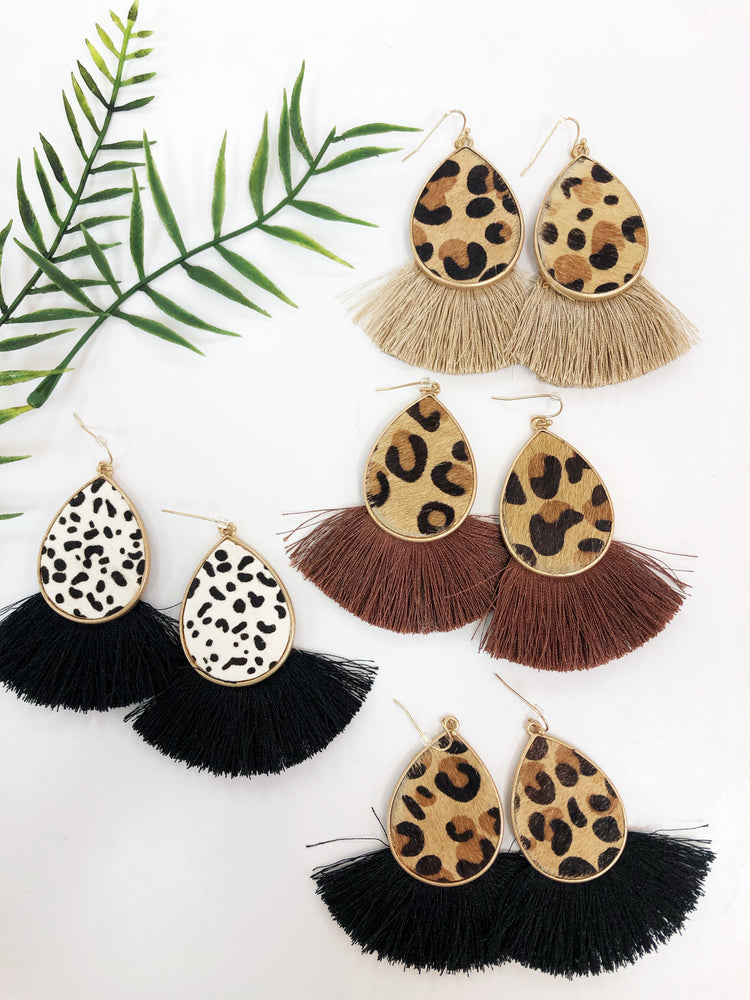 ANIMAL TEARDROP EARRING