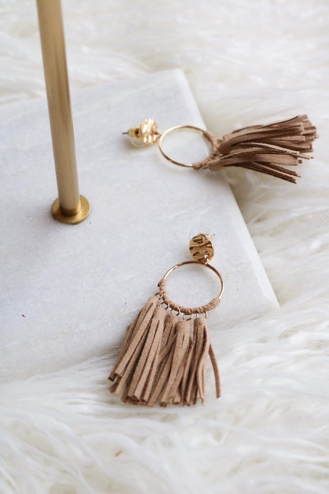 FRINGING FORWARD EARRING