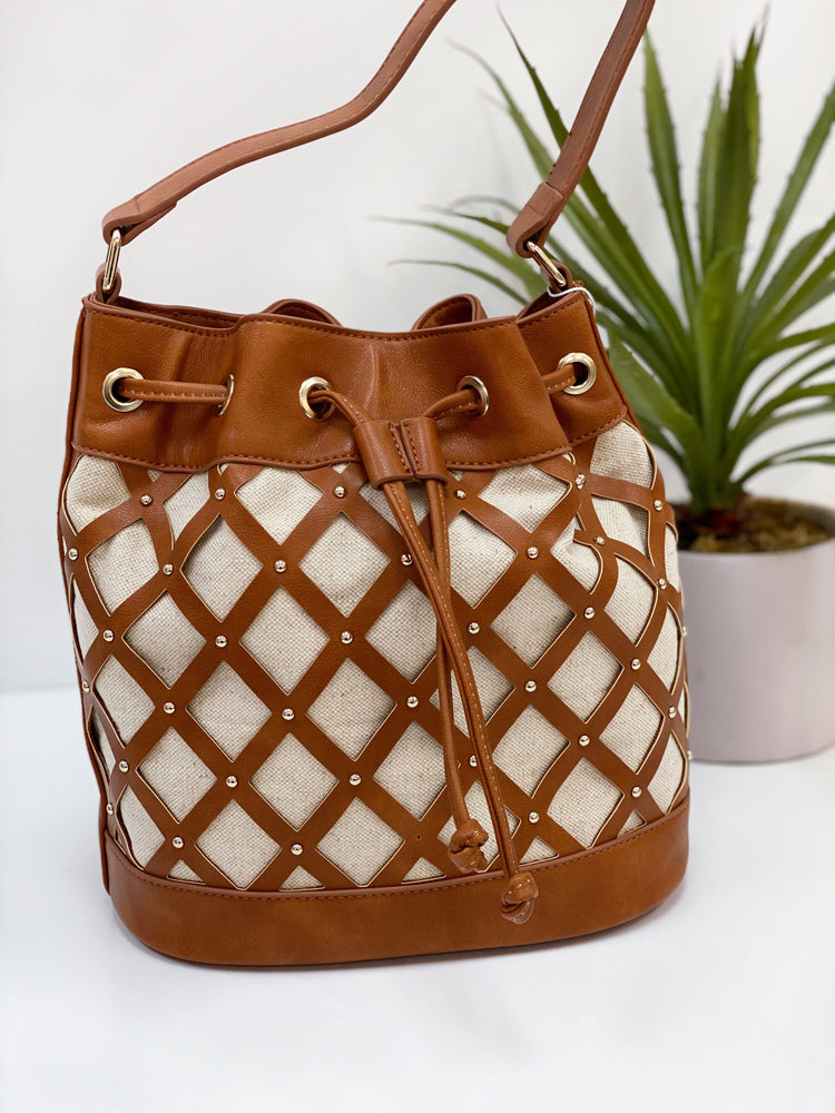 MARKLE BUCKET BAG