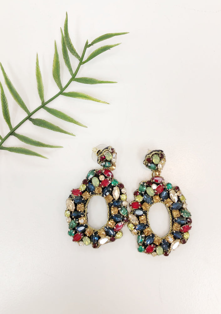 BEADED OVAL EARRING