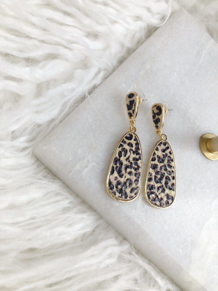 ANIMAL PRINT TEARDROP EARRING