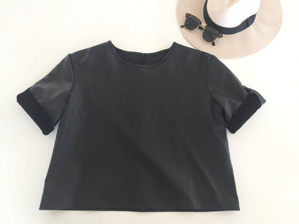 CROPPED LEATHER BOX TEE