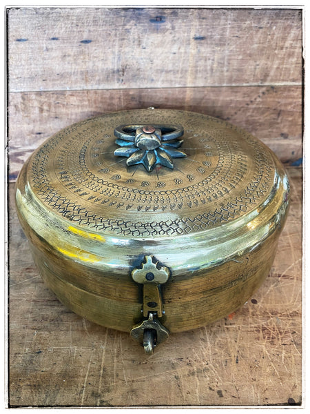 Antique chapati tin 2