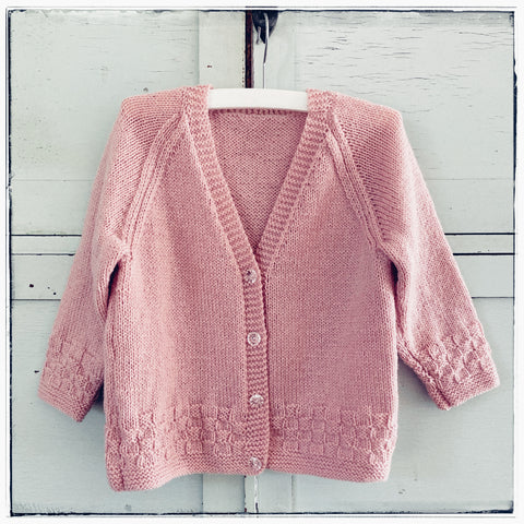 Handknitted cardigan Size 4