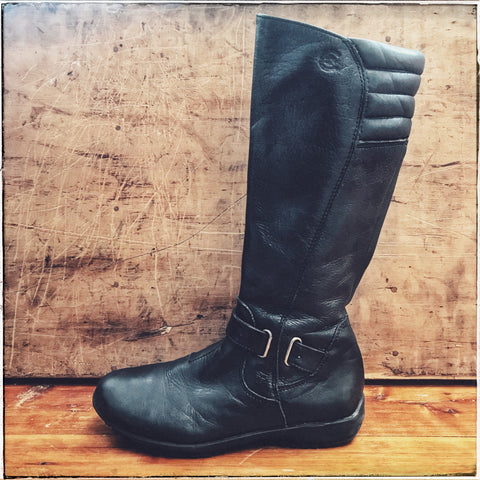 Italian leather boots size 31