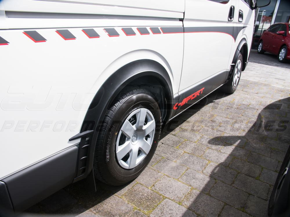 black-injection-vent-fender-flares-toyota-hiace-nissan-nv350-fitted-01_RORB2T6Y8HLE.jpg