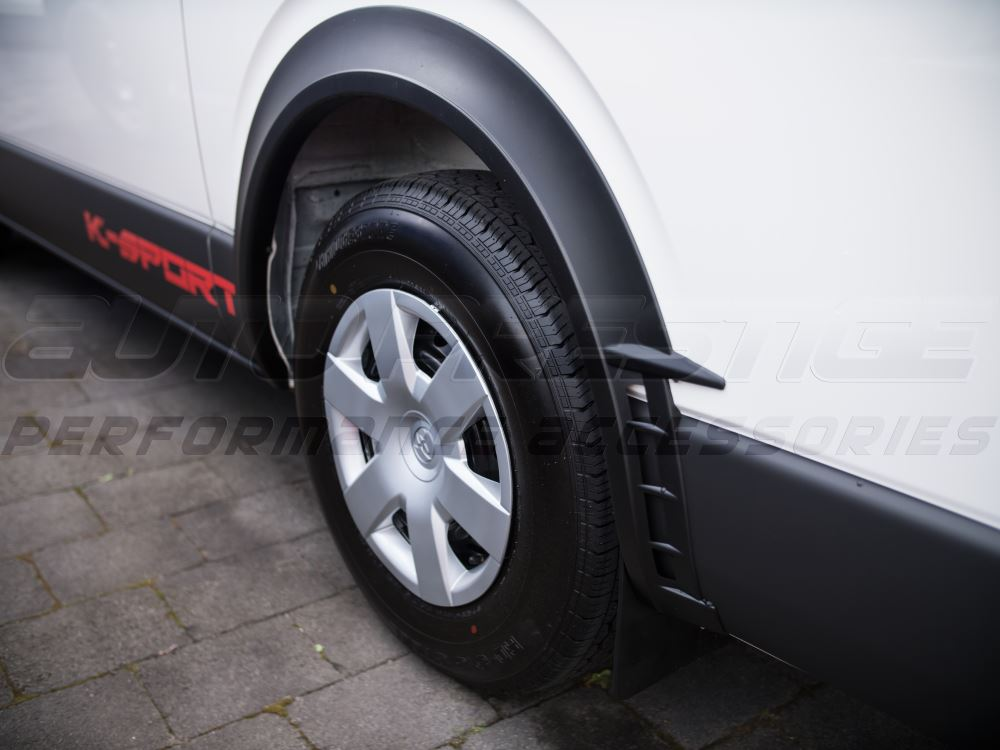 black-injection-vent-fender-flares-toyota-hiace-nissan-nv350-fitted-02_RORB47VCJSVT.jpg
