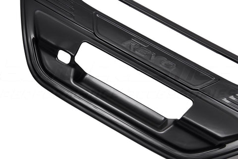 black-tail-gate-handle-cover-with-logo-hilux-revo-2015+--01_RLT4TM1H995N.jpg