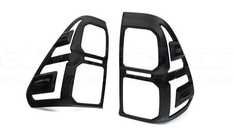 black-tail-light-trim-surround-hilux-toyota-revo-2015-2016-2017-2018-2019--01_RS04PYS73I4O.jpg