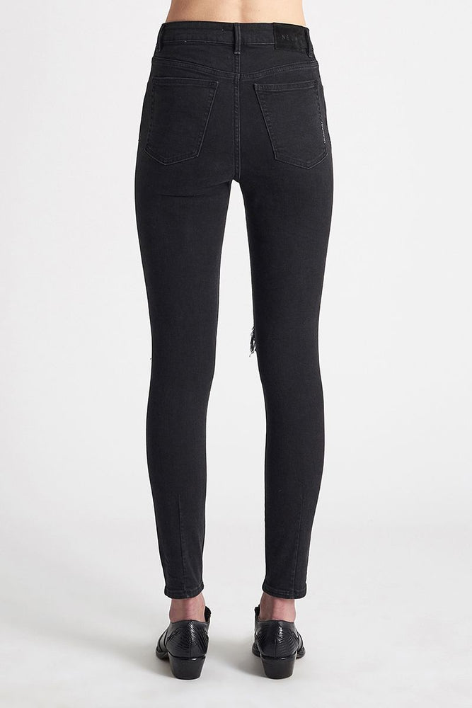neuw denim marilyn skinny busted black