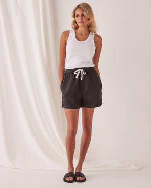 assembly label ease linen short black