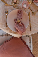 a la napkin set of two coral