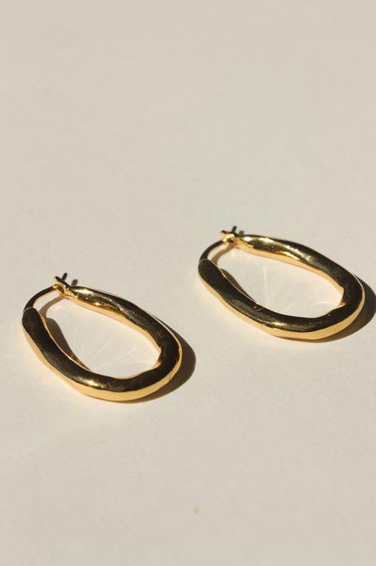 brie leon organica bent hoop earrings gold