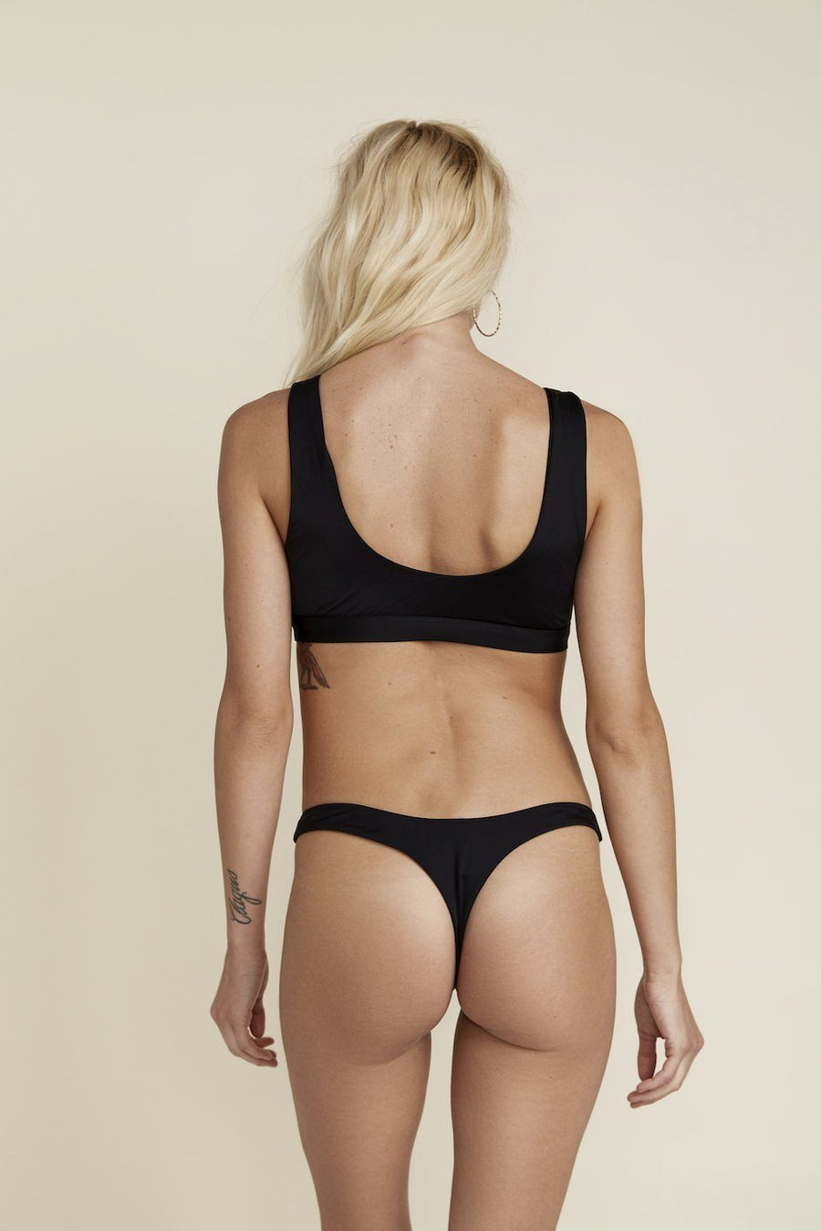 Seamless Thong High-leg Bottom - Black
