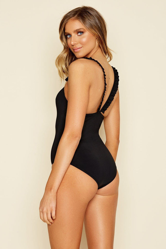 VILLA ONE-PIECE