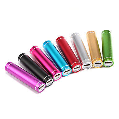 Universal Power Bank External Battery Q7-2600 iphone iPad/Samsung/Smartphones mobile devices (Assorted Colors,2600 mAh)