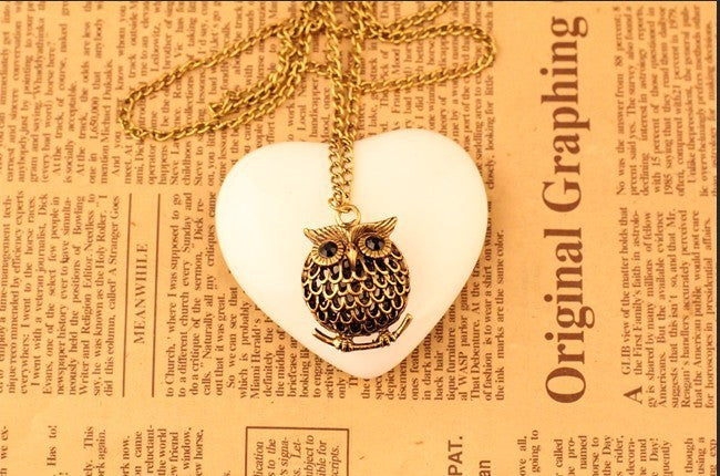 Fashion retro black gem eyes owl necklace jewelry high quality hollow metal accessories