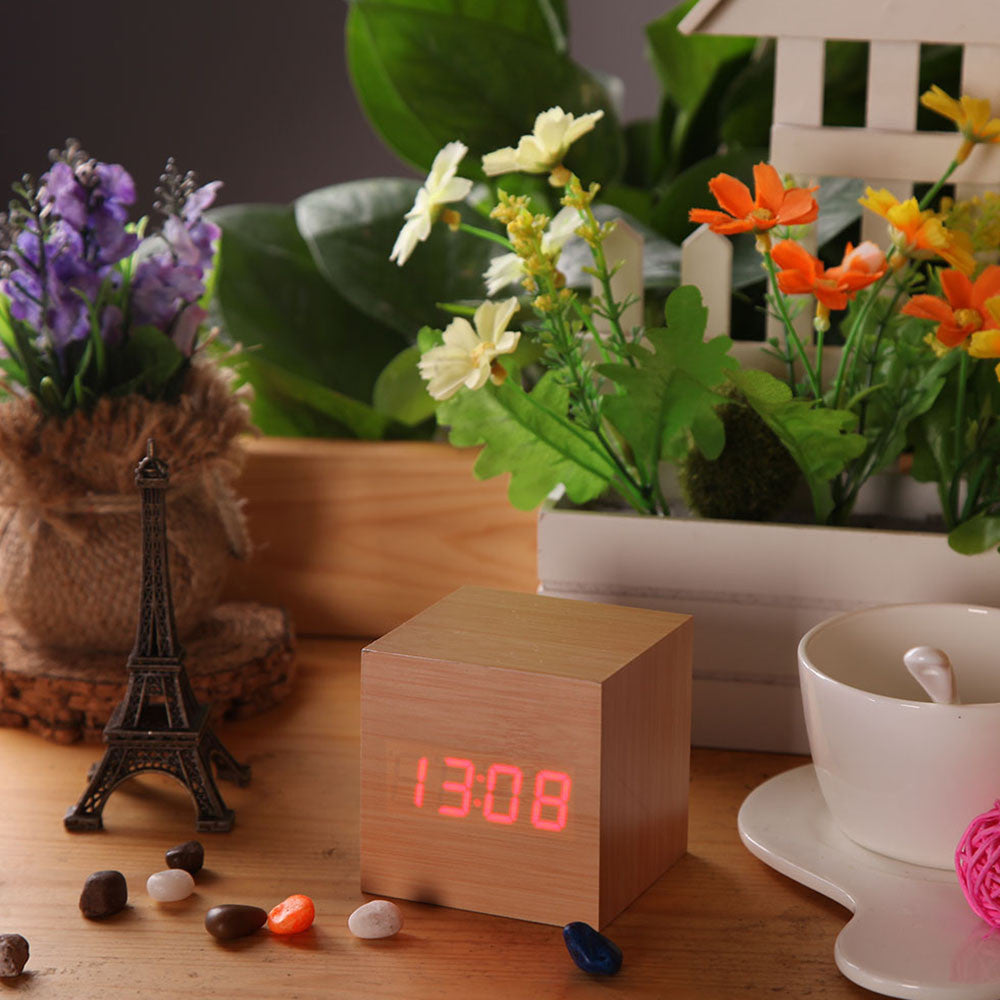 USB DC6V Activated Desktop Table Clocks Despertador LED Digital Square Alarm Wood Wooden Clock Temperature Display Voice Sound