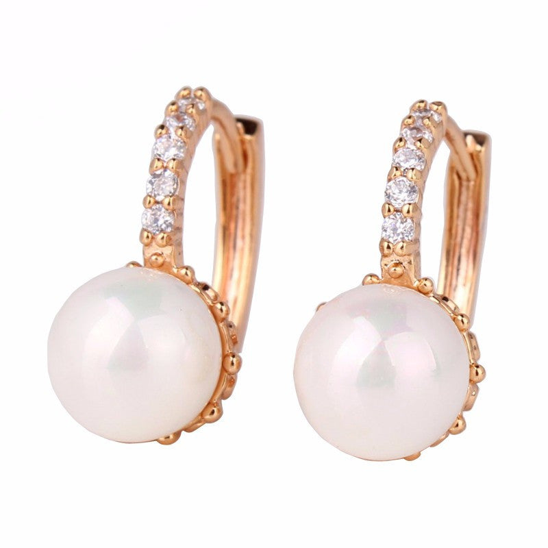 Fabulous Crystal Hoop Earrings for Women White/Gray Simulated Pearl Delightful Wedding Design Huggie Earrings