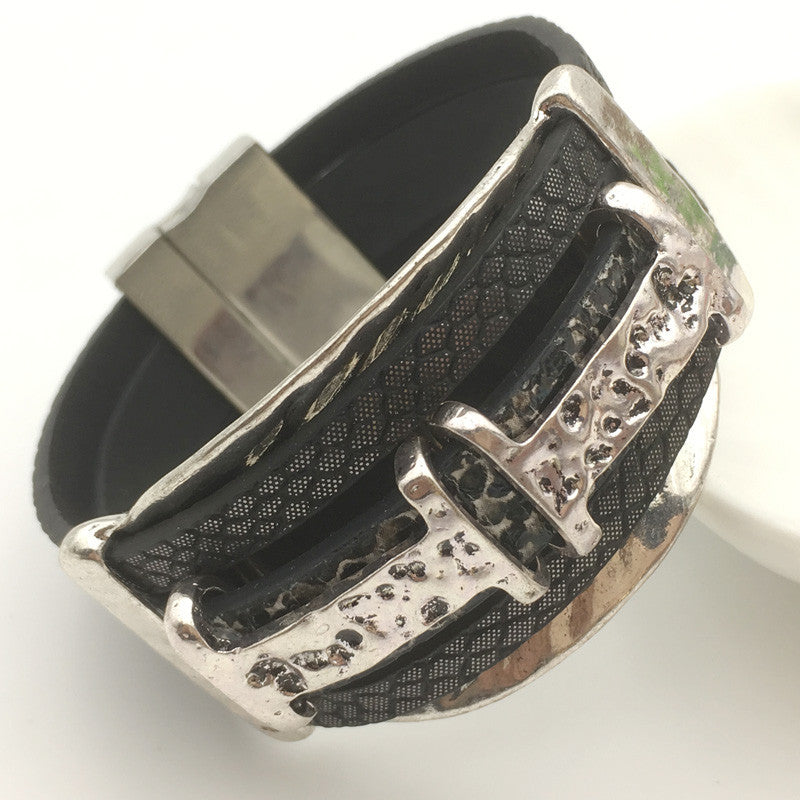 Brand Fashion Vintage Belt Buckle Alloy Wide Magnetic Leather bracelets for Women Men Statement Pulseras Mujer Gift