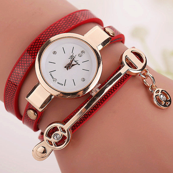 Fashion Style Leather Casual Bracelet Watch Wristwatch Women Dress Watches Long Leather Bracelet Watch
