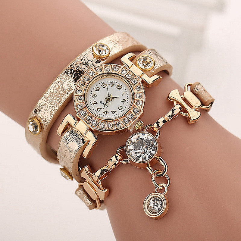 Fashion Casual Long Leather Strap watches Women Popular Jewelry Ethnic Style Surround the Wrist Quartz Watch Clock
