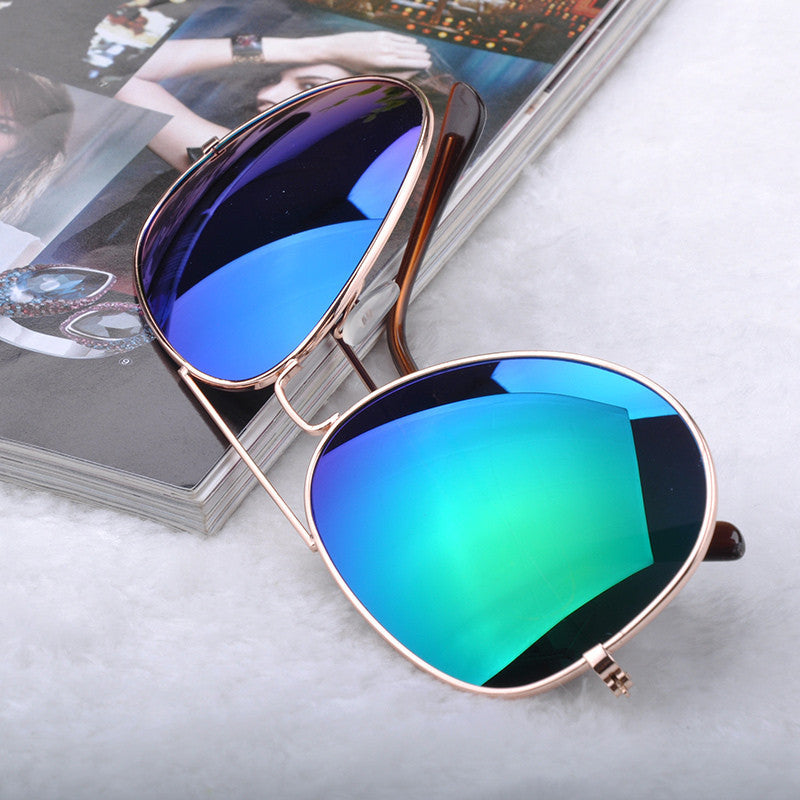 Gafas de sol Classic Sun glasses Vintage Metal frame Sunglasses Men Women Stylish Bat Mirror Eyewear