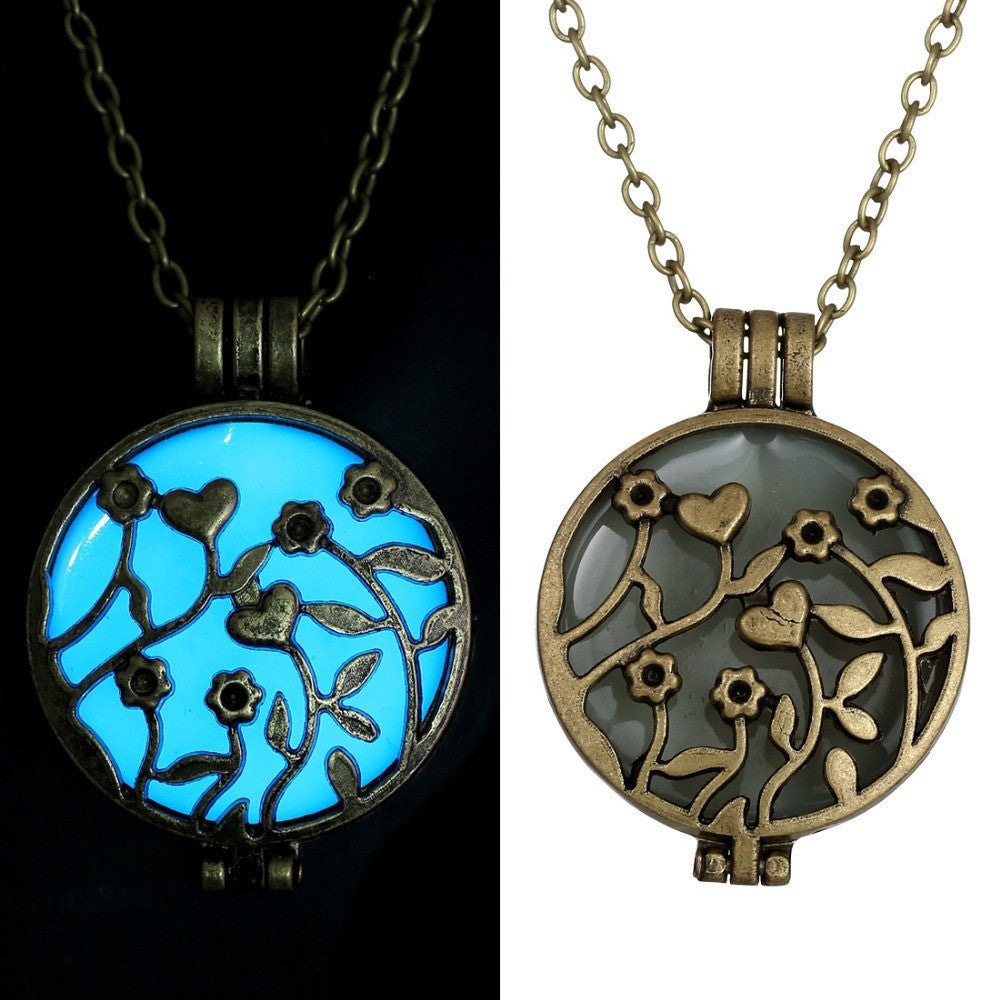 Glowing Necklace Pendant Long Chains Vintage Necklace For Women Glow In The Dark glass necklace glowing jewelry