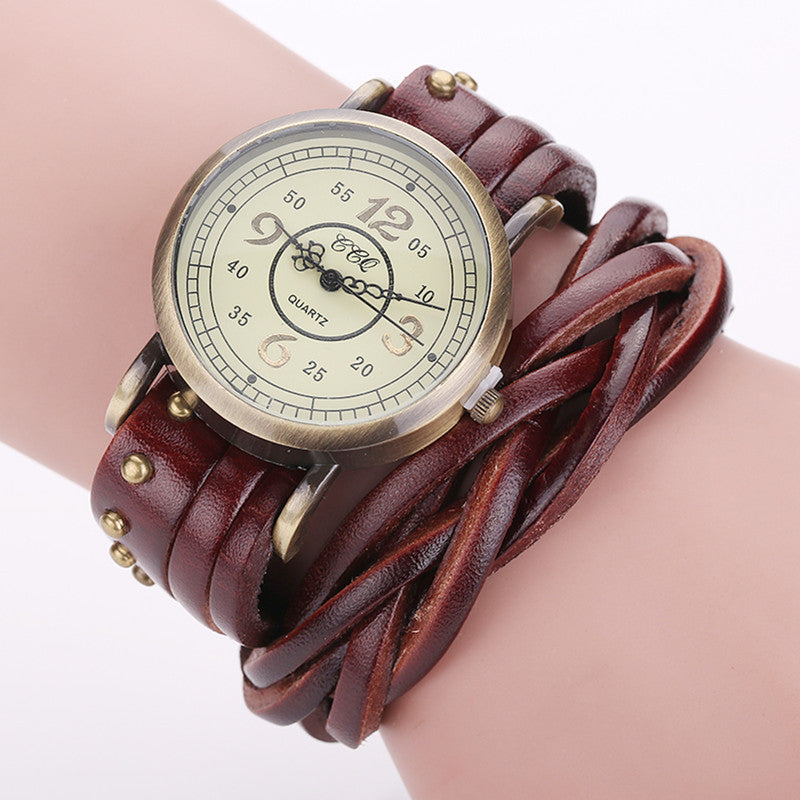 High Quality Vintage Cow Leather Rivet Watch Women Antique Wrist Watch Casual Quartz Watch Relogio Feminino Reloj Mujer