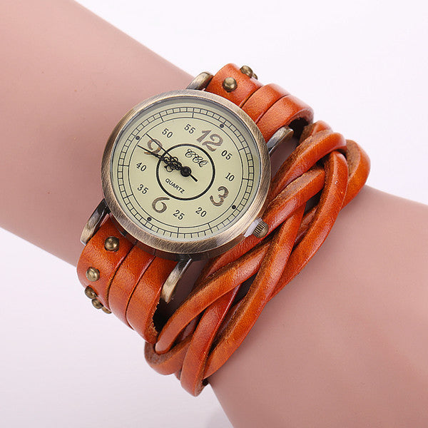 Vintage Cow Leather Rivet Watch Women Antique Wrist Watch Casual Quartz Watch Relogio Feminino Reloj Mujer