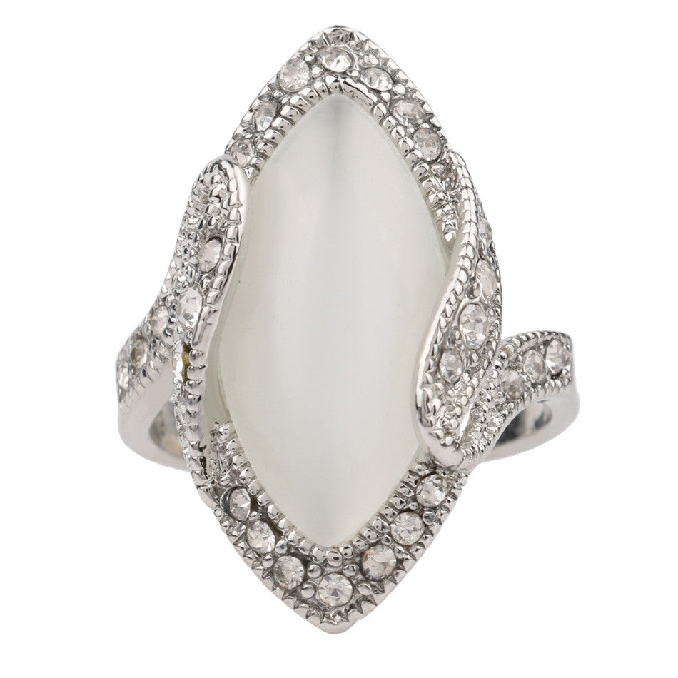 Luxury Fashion Big Oval Opal Ring Vintage Look Silver Plated White Crystal Rings For Women Gift