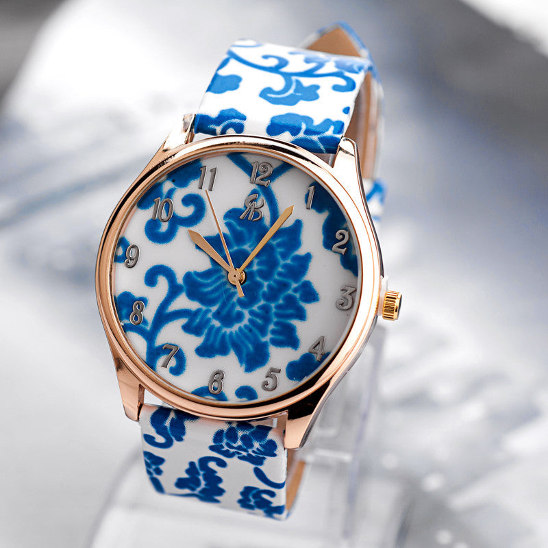 New Women Flower watches Fashion leather band Woman wristwatches with blue red watch dial