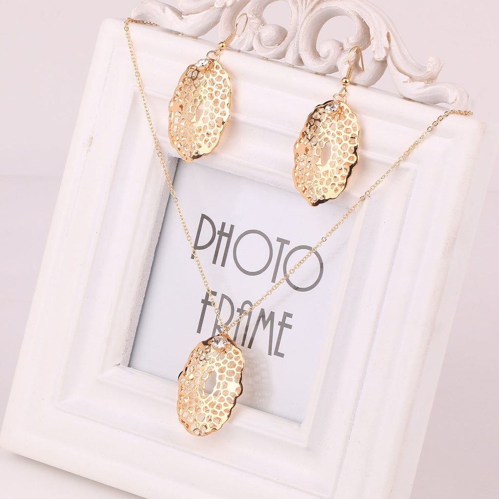 New Arrival Wedding Jewelry Sets Fashion Gold Hollow Pendant Statement Necklace & Crystal Drop Earrings Fine Jewelry