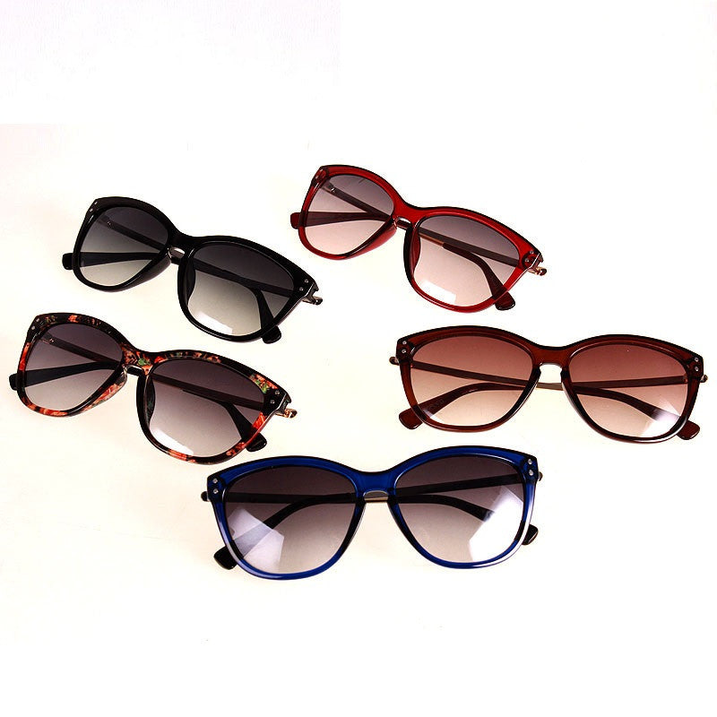 Retro Vintage Sunglasses Spring Outing Glasses Point Women Sun Glasses Sun Shades UV400 Eyewear Gafas De Sol