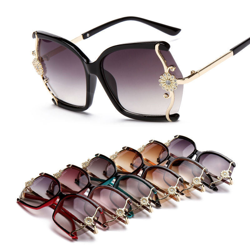 Stylish large Butterfly Sunglasses for women brand designer eyewear metal Flower Frame 7 colour oculos de sol feminino