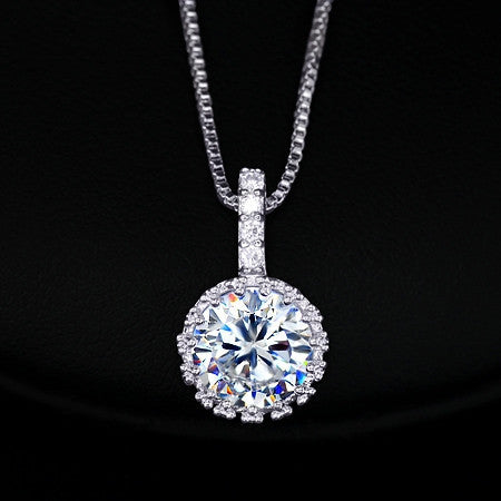 Multi Prongs Synthetic simulated Diamond Necklaces Heart and Arrows CZ Pendant Necklace with 8mm 2ct Cubic Zirconia