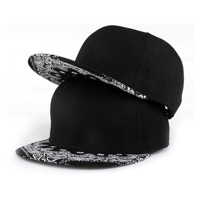 White Paisley Pattern Black Hat New Fashion Outdoor Man Women Summer Baseball Cap Sun Hat Adjustable Hip Hop Snapback Caps Hat